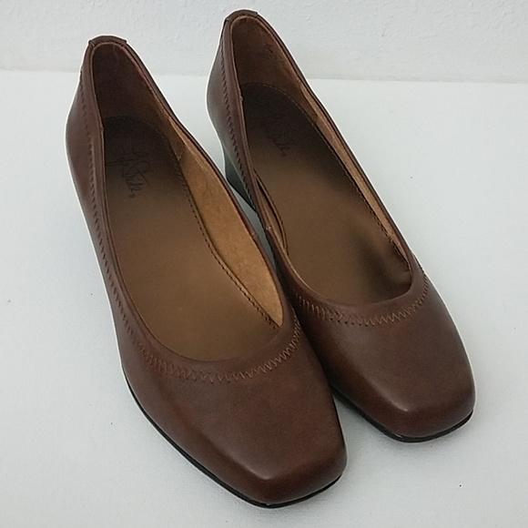 Life Stride 10M shoes groovy tan Cowboy square toe NWT